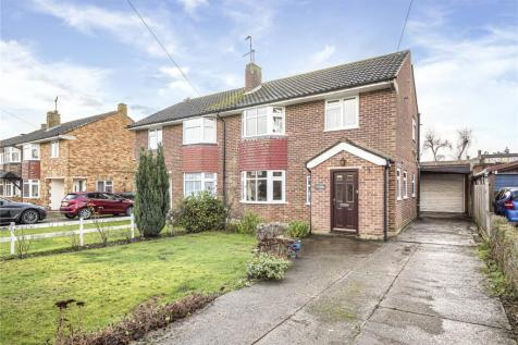 Pinewood Green, Iver Heath, Buckinghamshire, SL0. 3 bedroom semi-detached house for sale