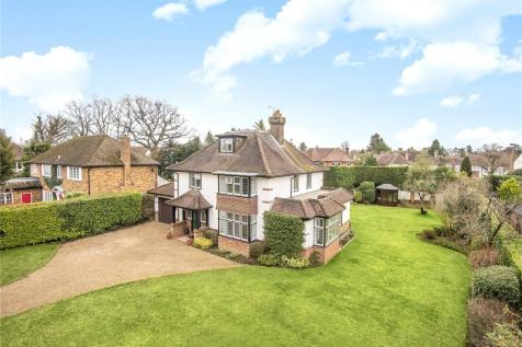 Milton Avenue, Chalfont St. Peter, Gerrards Cross, Buckinghamshire, SL9. 5 bedroom detached house for sale