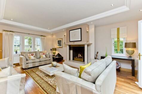5 Preston House Gardens, Linlithgow, West Lothian EH49 6PZ. 5 bedroom detached house for sale