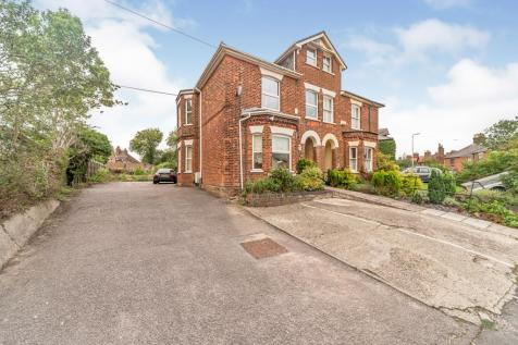 Julians Road, Stevenage, Hertfordshire, England, SG1. 4 bedroom semi-detached house for sale