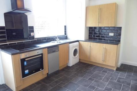 Victoria Street, Huddersfield, West Yorkshire, HD5. 3 bedroom terraced house