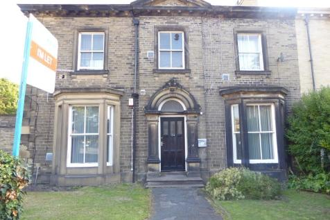 Trinity Street, Huddersfield, West Yorkshire, HD1. 3 bedroom house