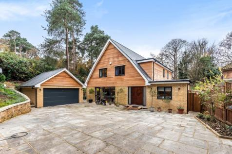 Pine Coombe Shirley Hills CR0. 4 bedroom detached house for sale
