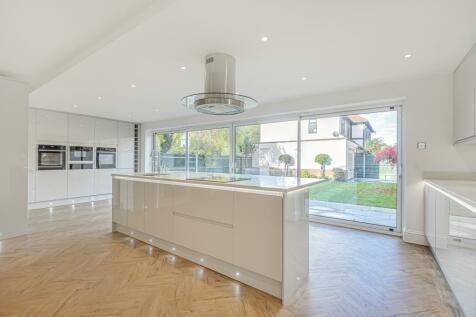 Goddington Lane Orpington BR6. 5 bedroom detached house for sale