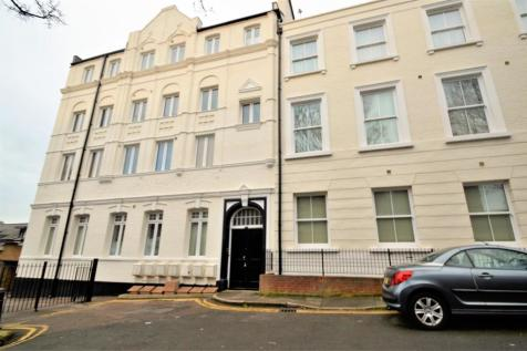 Pleasant Row, Gillingham. 2 bedroom flat