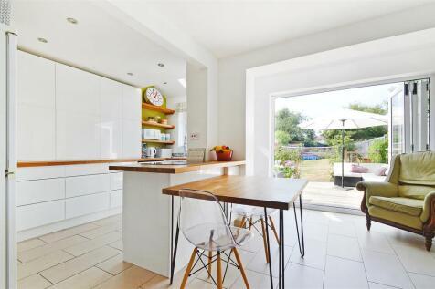 Harrow Road, Hempstead, Gillingham. 3 bedroom semi-detached house