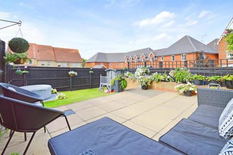 Grange Road, Gillingham. 2 bedroom house