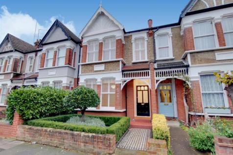 St. Andrews Road, Enfield Town. 4 bedroom terraced house
