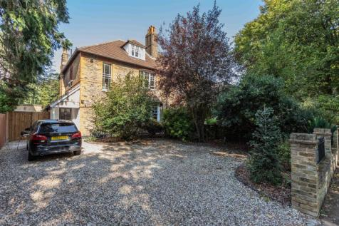 Queen Annes Gardens, Bush Hill Park Conservation Area, Enfield. 5 bedroom semi-detached house