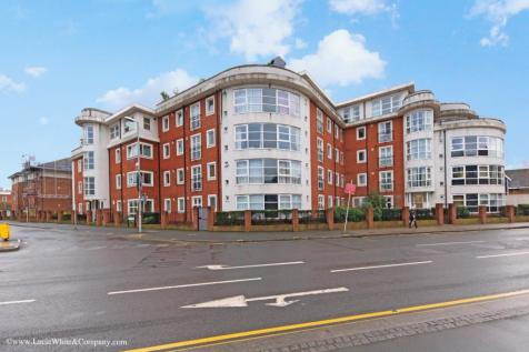 Buick House, Kingston Upon Thames. 2 bedroom apartment