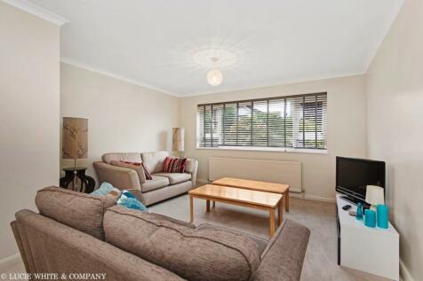 Lansdowne Road, Wimbledon. 2 bedroom apartment
