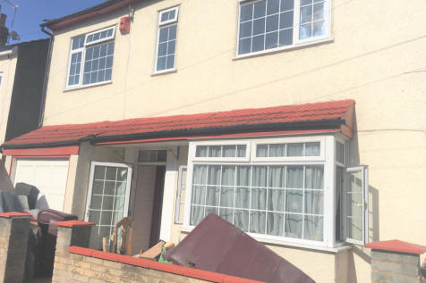 Elmdene Road, London, SE18. 5 bedroom terraced house