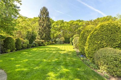 Sheen Common Drive, Richmond, Surrey, TW10. 5 bedroom detached house