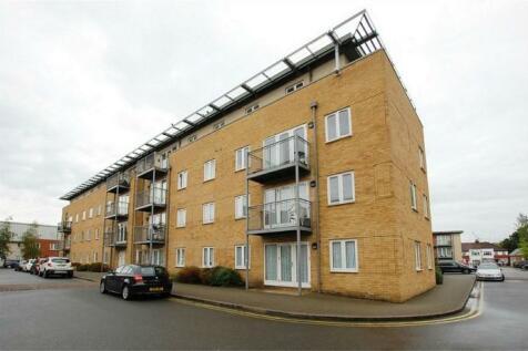 King George Crescent, Wembley, Middlesex, HA0. 2 bedroom flat