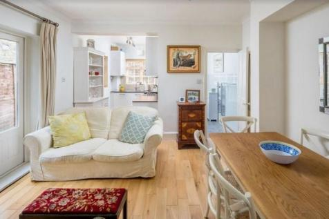 Skelwith Road, London, W6. 2 bedroom flat