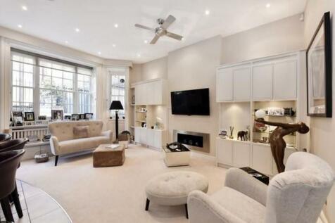 Green Street, London, W1K. 3 bedroom flat