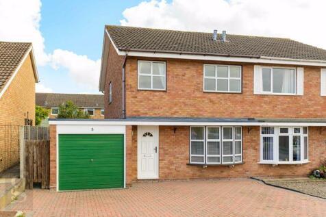 Sinclair Drive, Hampton Dene, Hereford, HR1 1UE. 3 bedroom semi-detached house