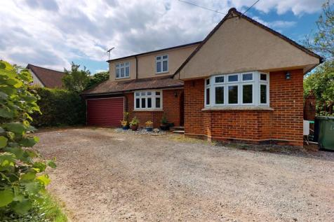 London Road, Great Notley. 3 bedroom detached house for sale