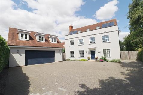 Queenborough Lane, Braintree. 6 bedroom detached house for sale