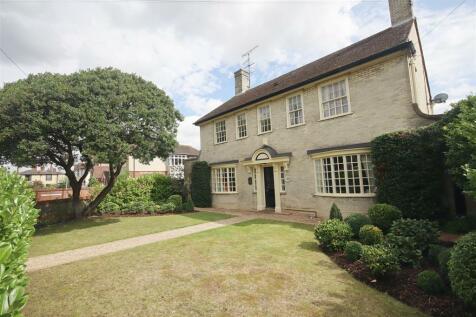 London Road, Braintree. 4 bedroom detached house for sale
