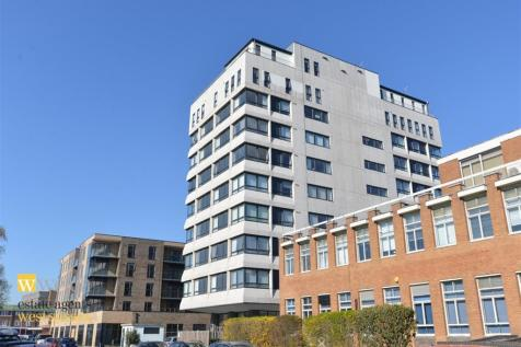 1 The Causeway, Worthing, Wesr Sussex, BN12 6FA. 2 bedroom flat