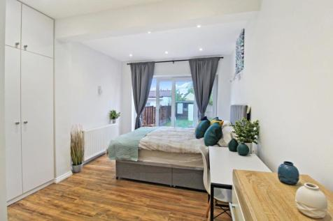 Eton Avenue, Wembley, HA0 3AX. 1 bedroom house share