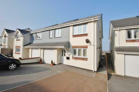 Wadebridge, Cornwall. 4 bedroom semi-detached house