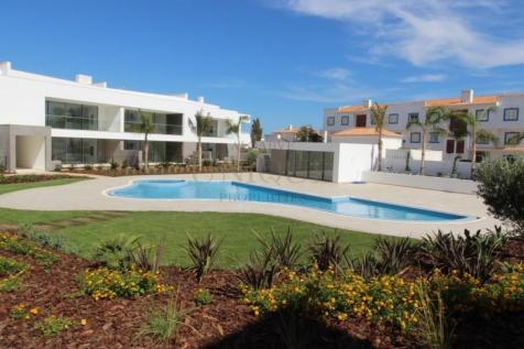 Algarve, Lagos. 3 bedroom apartment for sale