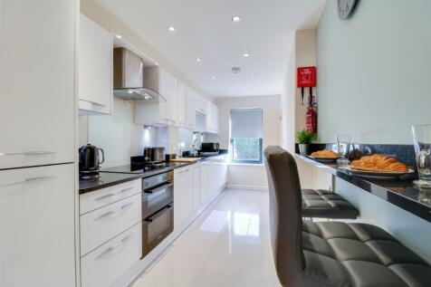 121b Hemingford Road. 2 bedroom semi-detached house