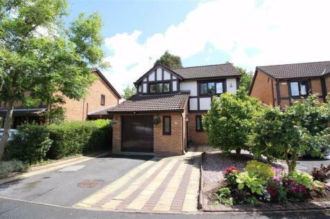 Ridgeway, Penwortham, Preston. 4 bedroom detached house