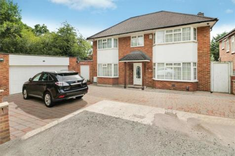 Vernon Drive, STANMORE, Middlesex. 4 bedroom detached house