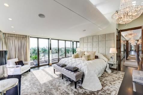 Harrington Road, SW7. 3 bedroom penthouse