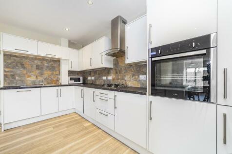 Aldeburgh Street, Greenwich, London, SE10. 4 bedroom apartment