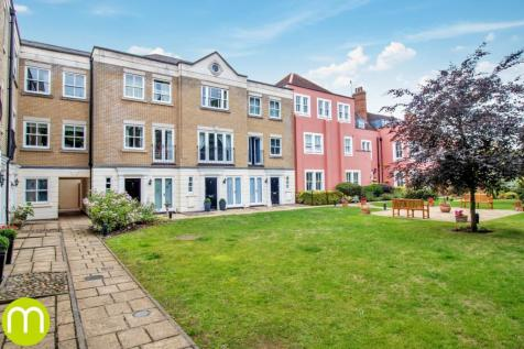 East Hill, Colchester, CO1. 3 bedroom town house