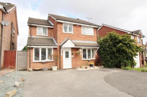 Hatton Gardens, Nuthall, Nottingham, NG16. 4 bedroom detached house