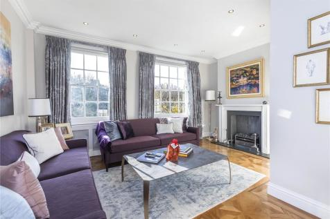 Hyde Vale, London, SE10. 4 bedroom end of terrace house