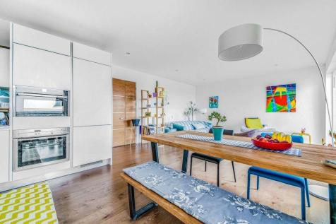 Handley Drive, SE3. 2 bedroom apartment