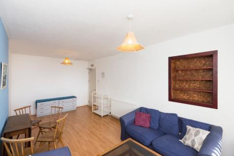 Cornhill Drive , Northfield, Aberdeen, AB16. 3 bedroom flat