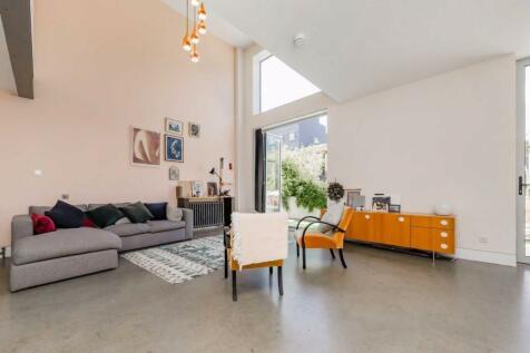 Gransden Avenue, London Fields. 3 bedroom house