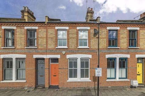 Beck Road, London Fields. 3 bedroom terraced house