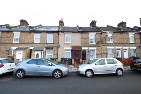 Charles Street, Enfield, EN1. 3 bedroom terraced house