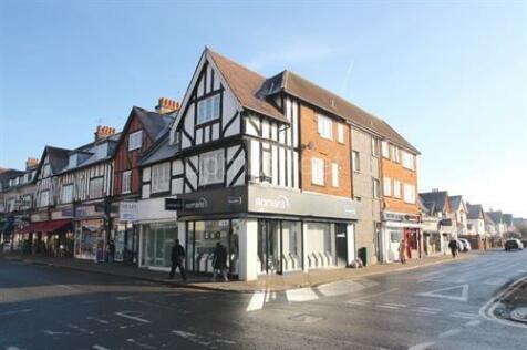 Marsham Way, Gerrards Cross, SL9. 2 bedroom flat