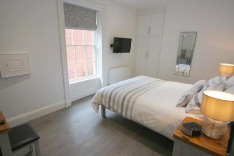 Stanley Place, Chester. 2 bedroom flat