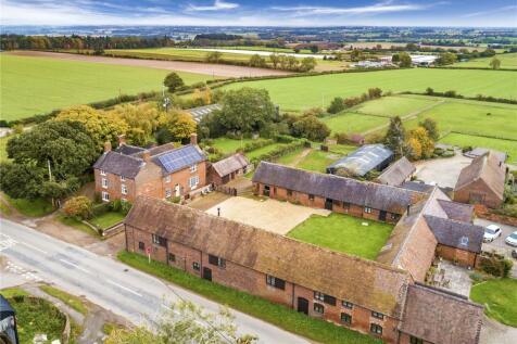 Heath Hill Farm, Heath Hill, Shifnal, Shropshire. 6 bedroom equestrian facility for sale