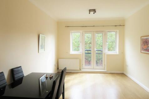 Century House, Wembley, Middlesex, HA9. 2 bedroom flat