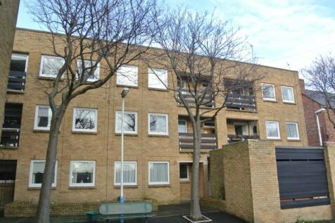 Beverley Villas, Cullercoats. NE30 3EB. **JUST OFF SEA FRONT**. 1 bedroom flat