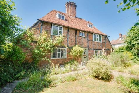 Canterbury. 3 bedroom detached house