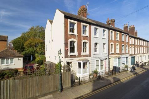 Canterbury. 4 bedroom terraced house