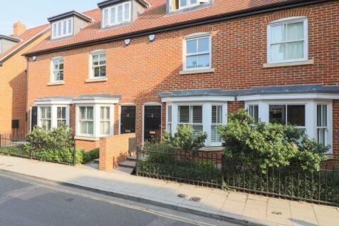 Canterbury. 3 bedroom terraced house