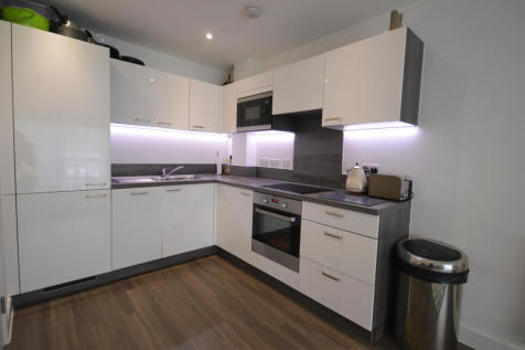 Dempsey Court, Adenmore Road, Catford, SE6. 1 bedroom apartment